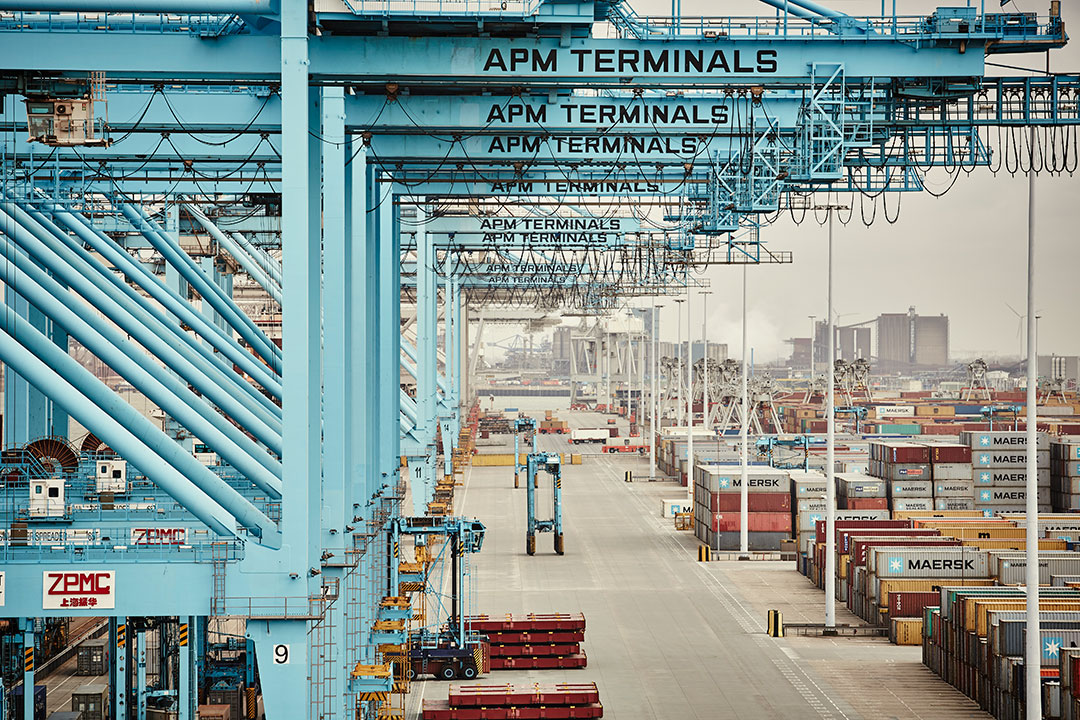 Cranes and containers at APM Terminals
