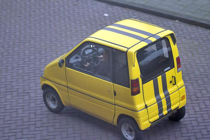 Yellow Canta with stripes in Amsterdam
